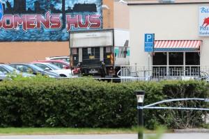 Lastbilen som övergavs intill restaurangen Billy Boys. Foto Mika K